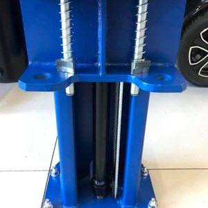 Clear Floor Hydraulic Ram